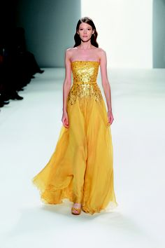 Elie Saab dress! I don't think I could pull off this color...but wow...so beautiful and summery!