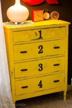 Relooking de meuble: le jaune à l'honneur | BricoBistro