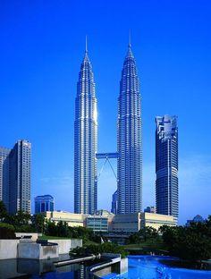 Petronas Towers (1992-1998), Kuala Lumpur. Cesar Pelli & Associates. |loff.it