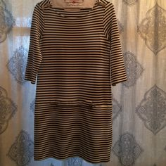 Thick knit Zara mini dress This is well made thick knit in excellent condition.  Total length is 32.  Pit to pit is 16.  Waist 16. Hips 17.5.  Can stretch up to 2.5.  Best fit is probably only 1.5 stretch. Zara Dresses Mini