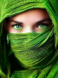 Top 20 Most Beautiful Eyes In The World in 2020 Most Beautiful Eyes, Beautiful Girl Image, Gorgeous Eyes, Pretty Eyes, Beauty Photography, Portrait Photography, Beautiful Muslim Women, Cute Girl Photo, Portraits