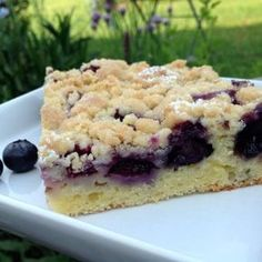 Blaubeerkuchen mit Streusel Blueberry cake with crumble Related posts: Crumble cake filled with pudding Pudding crumble cake Crumble cake filled with pudding – as before Apple cheese cake with crunchy cinnamon crumble Blueberry Cake, Blueberry Recipes, Blueberry Crumble, Cake Vegan, Salty Cake, Chocolate Donuts, Baked Donuts, Donuts Donuts, Pudding Cake