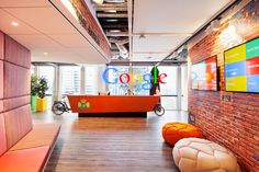 Gratis reageren op kantoorruimtes in Amsterdam. Office Reception, Reception Areas, Office Interior Design, Office Interiors, Office Designs, Design Offices, Office Ideas, Interior Ideas, Google Office