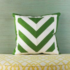 Chevron Linen Pillow (DIY - I could make this)