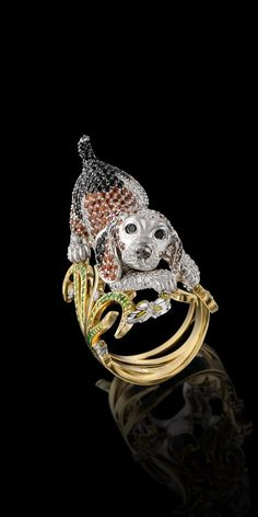 Master Exclusive Jewellery, Animal World Collection Ring of 18k yellow and white gold, diamonds, black diamonds, yellow diamonds, tsavorites, dematoids, orange sapphires, enamel. (=):
