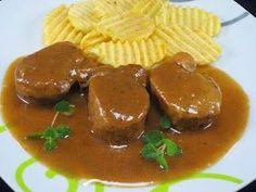 Solomillo al Pedro Ximénez Ana Sevilla cocina tradicional Meat Recipes, Cooking Recipes, Recipies, Sauces, Salty Foods, Food Club, Meat Chickens, Barbacoa, Spanish Food