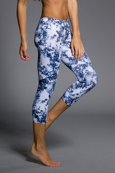 Onzie - Yoga Clothes | Printed Yoga Pants