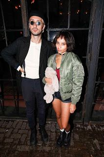 Leon: the professional - Leon and Mathilda cosplay Professional Halloween Costumes, Different Halloween Costumes, Celebrity Halloween Costumes, Halloween Inspo, Cute Halloween Costumes, Halloween Cosplay, Diy Costumes, Halloween Party, Funny Halloween