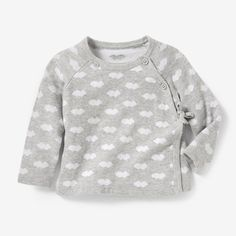 Long-Sleeved Top with Cloud Motifs R baby : price, reviews and rating, delivery. Long-sleeved top in purl knit with intarsia 'cloud' motifs on the front and back. Crossover fastening buttoned at the neckline and tie fastening at the side. Raglan sleeves. Ribbed edging. 100% cotton jersey. KEEP AWAY FROM FIRE.