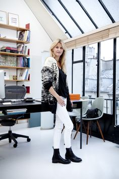 Sarah Lavoine in her studio, Carton Magazine, © julie ansiau