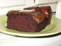 Vegan Low Fat Chocolate Applesauce Cake via @SparkPeople