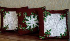 Декоративные диванные подушки Зимний остролист - купить или заказать в интернет-магазине на Ярмарке Мастеров - 7XLHARU. Тверь   Трио зимних подушек - насыщенный винный цвет,…