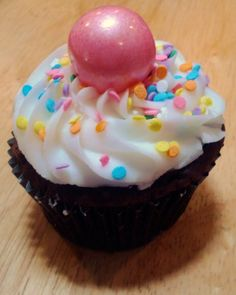 I made Easter cupcakes! :-) Everything is CK Products. The kids LOVED the strawberry gumball on top!