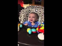 contagious laugh - child of 6 months old - VERY FUNNY!!!!