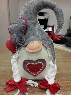 So cute!!! Felt Christmas Ornaments, Christmas Gnome, Christmas Crafts For Kids, Handmade Christmas, Holiday Crafts, Gnomes For Sale, Valentine Decorations, Christmas Decorations, Scandinavian Gnomes