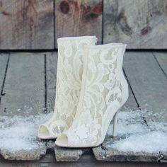 beautiful lace heels #wedding #ivory #lace
