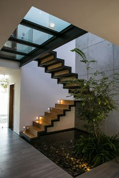 76 top unique modern staircase design ideas for your dream house 14 Staircase Design Modern, Home Stairs Design, Interior Stairs, Dream Home Design, Modern House Design, Stair Design, Modern House Facades, Interior Garden, Home Interior Design