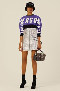 See the complete Versus Versace Resort 2018 collection.