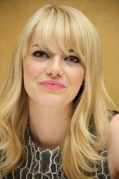 Makeup looks for brown eyes 37 Emma Stone Hairstyles To Inspire Your Next Makeover Celebrity Hairstyles, Hairstyles With Bangs, Straight Hairstyles, Henna Designs, Emma Stone Haircut, Emma Stone Bangs, Taylor Swift, Hair Falling Out, Lob Haircut