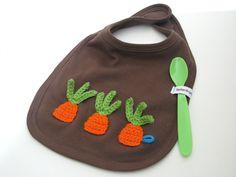 """Lätzchen  """"jungesGemüse"""" mit Möhren von fadenfroh.design auf DaWanda.com"""