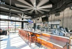 Shawmut Completes Yard House Restaurant In Boston Garage Door Design Restaurant Exterior Design House Restaurant