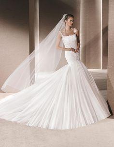 11482086e7 La Sposa Ruanda 💟 389.99 from http   www.www.bridalance. Low Back Dresses Wedding ...