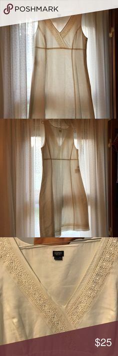 White elegant embroidered ESPRIT Dress White dress with beautiful embroidered neckline. Front has a v-neck cut, it's knee length. Dress is lined. Size 10, however, on the small side. Well loved and ready to be passed on to a new owner! Esprit Dresses Midi