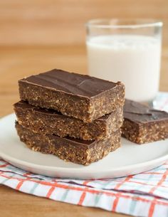 Recipe: Peanut Butter & Chocolate Energy Bars — Recipes from The Kitchn…