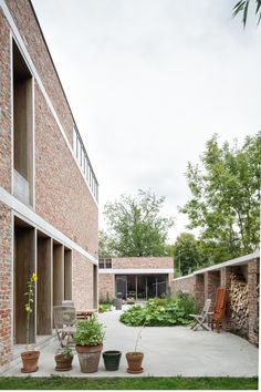 Awesome Artistic Exposed Brick Architecture Design - Page 37 of 46 Brick Architecture, Interior Architecture, Interior Design, Architecture Foundation, Exposed Brick Walls, Brick Facade, Brickwork, Building A House, Construction