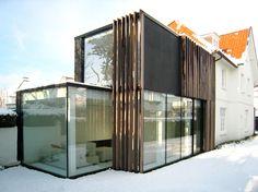 Design veranda, woonuitbreiding minimalistische stijl bij klassieke woning | De Mooiste Veranda's