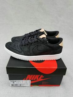 3a1597832cf Top Quality Offer Nike Air Jordan 1 Retro Low 2017 Zlato Černá