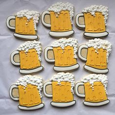 This set includes one dozen Beer mug cookies. If you're have any specific requests for these cookies feel free to leave a note with your order and I will be sure to make them accordingly. Thank you so much for looking! -Mandee