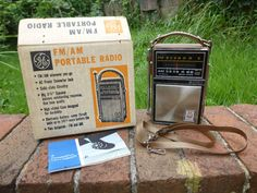 Vintage 1960s General Electric P975F AM FM Portable Transistor Radio w/ Extras