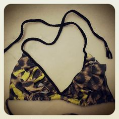 Corpiño doble volado con tira trenzada Estampado Print Love Morcis Swimwear Bikinis de Ediciones Limitadas Mix & Match