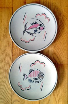 Mumhadoneofthose. Poole Pottery plates. Hand-painted by Gwen Haskins in the 1960s.
