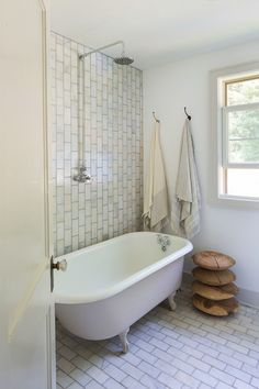 #ThisOldHouse came with the original cast iron tub and I knew after a couple weeks of planning that it would stay in the full bath.