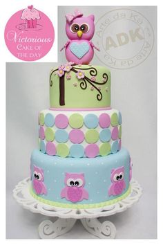 owl cake. Stinking cute exchange the owls for anything else and the rest of the cake is gorgeous.