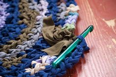 Crochet a rug out of cotton jersey