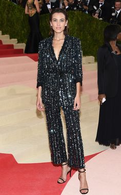 Alexa Chung no Tapete vermelho Met Gala 2016 Looks vestidos Party Fashion, Fashion Outfits, Outfits Fiesta, Alexa Chung Style, Party Mode, Saab, New Years Eve Outfits, Chloe Grace Moretz, Jessica Chastain