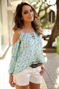 See more ideas about fashion outfits below. Summer Outfits, Casual Outfits, Cute Outfits, Fashion Outfits, Womens Fashion, Shirt Bluse, Mode Style, Corsage, Pulls