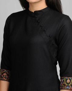 Featuring beautiful Kashmiri embroidery, this kurta with a contemporary twist is perfect this season. Wool Kashmiri Embroidery Chinese Collar Sleeves Dry Clean OnlyTop 50 Stylish And Trendy Kurti Neck Designs That Will Make You Look All The More Grac Neck Designs For Suits, Neckline Designs, Dress Neck Designs, Designs For Dresses, Blouse Designs, Kurthas Designs, Plain Kurti Designs, Kurta Designs Women, Salwar Designs