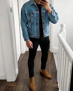 I shared a dozen interesting tips that will teach you how to make simple clothes look fashionable on you. No need to break the bank for new clothes. Chelsea Boots Outfit, Smart Casual Menswear, Men Casual, Mens Smart Casual Fashion, Best Casual Wear For Men, Smart Casual Wear, Outfit Jeans, Men Denim Jacket Outfit, Men Shorts