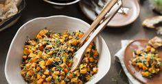 Kürbissalat mit Linsen und Mango ist ein Rezept mit frischen Zutaten aus der Kategorie Gemüsesalat. Probieren Sie dieses und weitere Rezepte von EAT SMARTER!