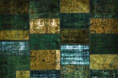 Origineel #Perzisch #Patchwork #tapijt #groen. Dit zijn tapijten die uit diverse stukken van #Perzische #kleden bestaan.