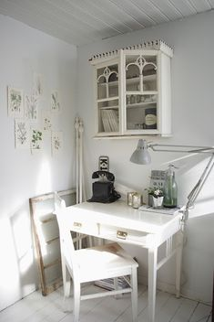 source: Froken Knopp ~ beautiful office space from a gorgeous blog