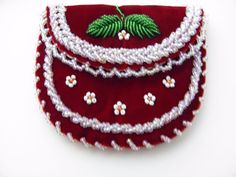 92 best images about raised beadwork on Native Beading Patterns, Beadwork Designs, Native Beadwork, Native American Beadwork, Beaded Jewelry Patterns, Beaded Purses, Beaded Bags, Beaded Moccasins, Nativity Crafts