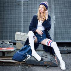 "Dana - American Apparel Xxl Cardigan, American Apparel High Waist Denim Shorts, American Apparel Bodysuit, American Apparel Thigh High Socks, American Apparel Denim Backpack, American Apparel Beanie ""New York"" - Sporty & Cozy"