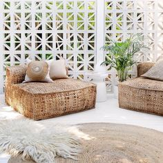Backyard Oasis Design That Make Your Garden More Wonderfull – Page 19 of 42 - Home & DIY Living Spaces Furniture, Furniture Design, Space Furniture, Ikea Furniture, Luxury Furniture, Outdoor Furniture, Style At Home, Outdoor Spaces, Outdoor Living