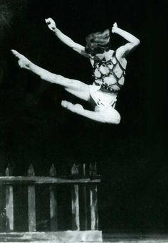Rudolf Nureyev: Muses, It Men Male Ballet Dancers, Ballet Boys, Rudolf Nurejew, Dance Magazine, Margot Fonteyn, Nureyev, Misty Copeland, Russian Ballet, Ballet Beautiful