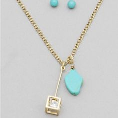 HOST PICK Gold Tone Open Cube Necklace Set Worn Gold Tone & Gold Tone Open Cube Necklace Set. Necklace is approx. 11 inches long when on the longest extension point. Jewelry Necklaces